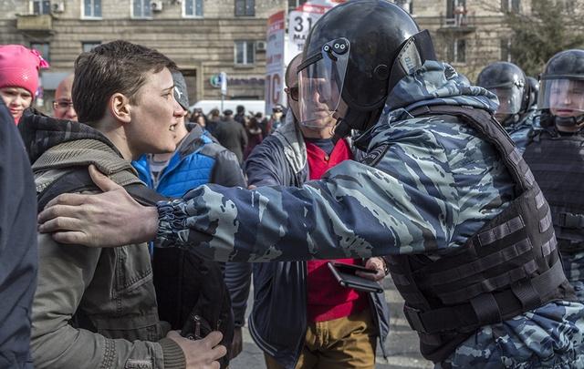 В Волгограде идут массовые облавы на участников митинга Навального
