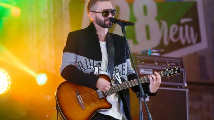 Солист группы Uma2rman выложил видео с концерта в Волгограде