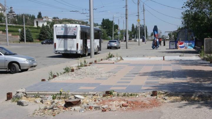 Мусорный протест: волгоградцы установят огромную бочку для мусора