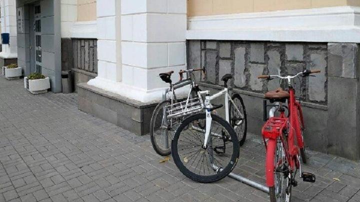 Велопарковку у городской думы Волгограда решили вернуть лишь после чемпионата мира