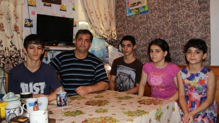 Счастливы вместе: ростовчанин восемь лет добивался права воспитывать пятерых детей
