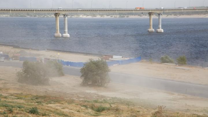 Апокалипсис сегодня: горожане делятся фотографиями ураганного Волгограда