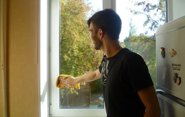 Пермские волонтеры вымоют окна одиноким пенсионерам