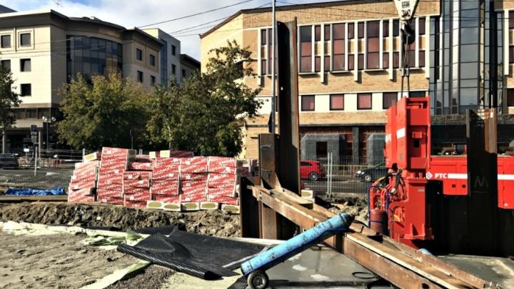 Фонтан-«кинотеатр» и новогодняя ёлка: реконструкцию площади 400-летия Тюмени завершат до конца года