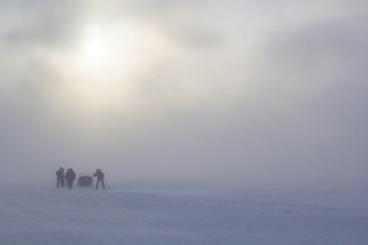 В зимнем походе команде Евгения пришлось пробиваться через снежные туманы