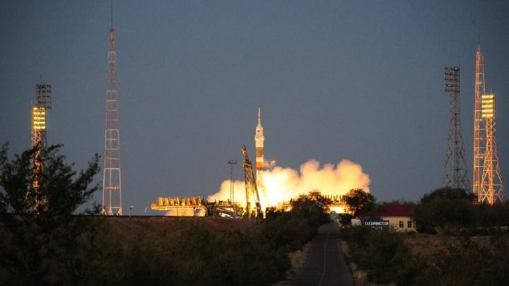 Самарская ракета-носитель отправила в космос экипаж и грузы