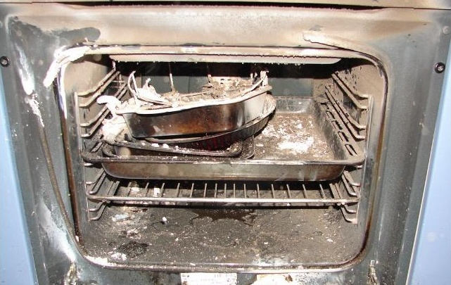 В Архангельске квартира горела из-за «сюрприза» в духовке