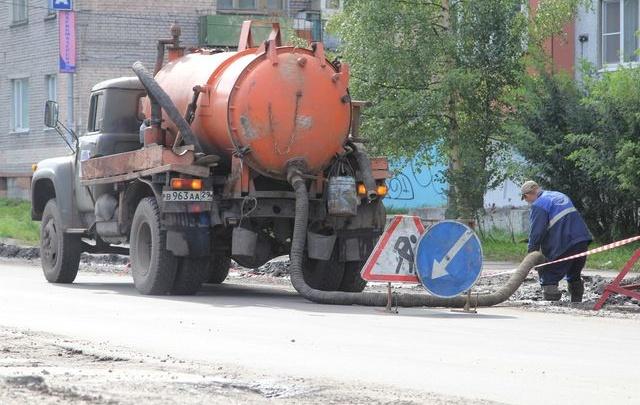 Дела ремонтные: тепла и воды до конца дня не будет в центре Архангельска, в Соломбале и на Кего