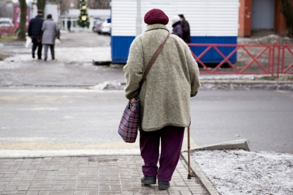 Пенсионерка познакомилась с женщиной на улице