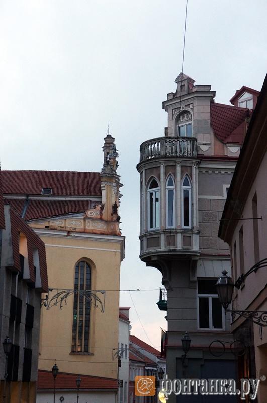 В старом городе соседствуют постройки разных исторических эпох и стилей
