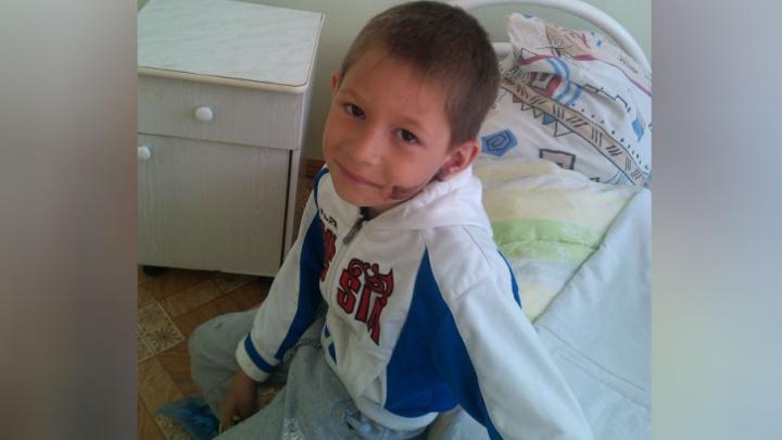 В Башкирии шестилетний мальчик упал в открытый колодец на детской площадке
