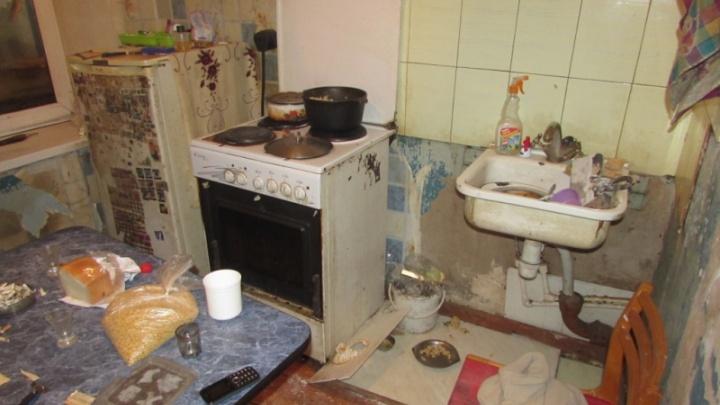 В Жигулевске полицейские задержали женщину, которая больше года плохо кормила своих детей