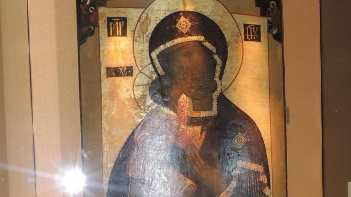 Приложиться к святыне: в Челябинскую область привезут Федоровскую икону Божьей матери