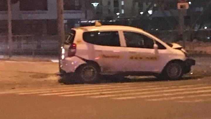 В аварии пострадали пятеро тюменцев: их увезли в больницу