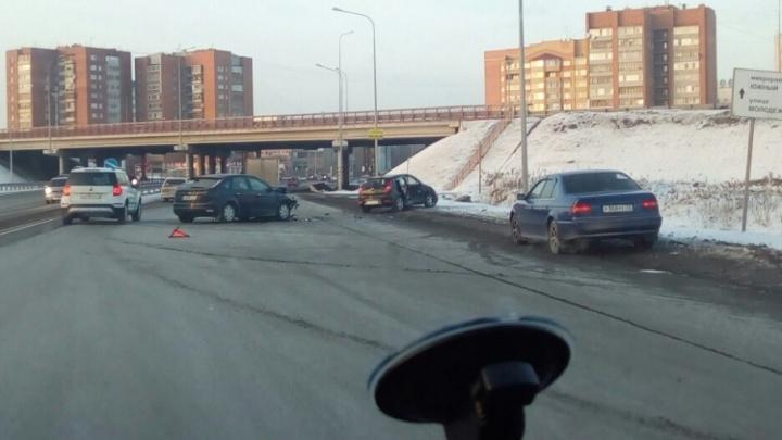 ГИБДД ищет очевидцев аварий на Червишевском тракте и на трассе Тюмень — Ханты-Мансийск