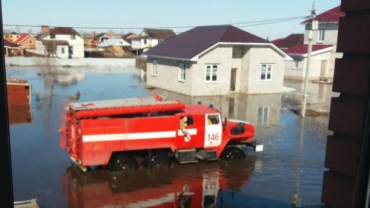 Талые воды с полей подтопили поселок в Самарской области
