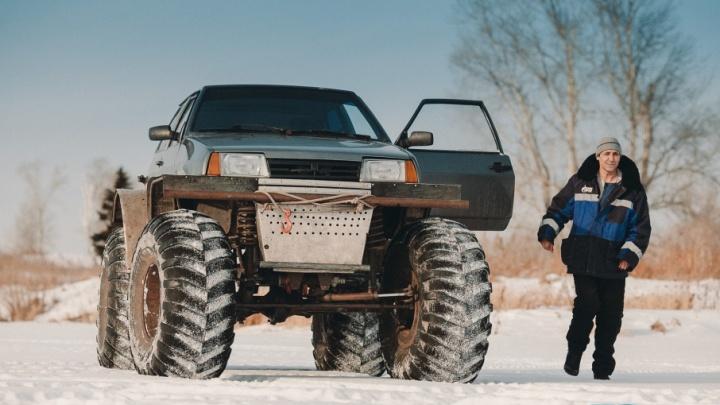Кулибины из Шорохово купили за 7000 рублей «восьмёрку» и превратили её в двухметровый вездеход