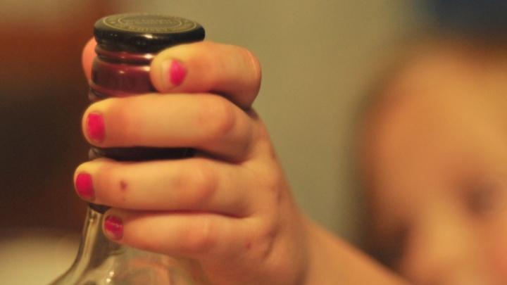 Житель Онежского района получил 10 лет строгача за убийство сестры из-за бутылки спирта