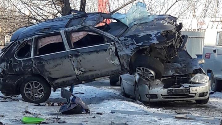 Porsche, устроивший погром на парковке челябинского автосервиса, уходил от погони ГИБДД