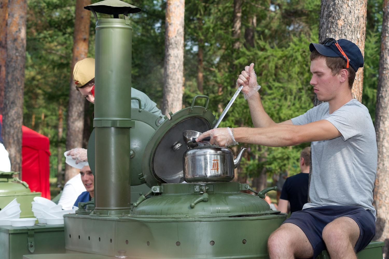 Работала военно-полевая кухня