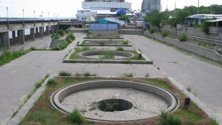 С центральной набережной Волгограда исчезли чугунные оградки