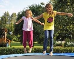 ТРЦ «Солнечный» приглашает детей на бесплатный батут