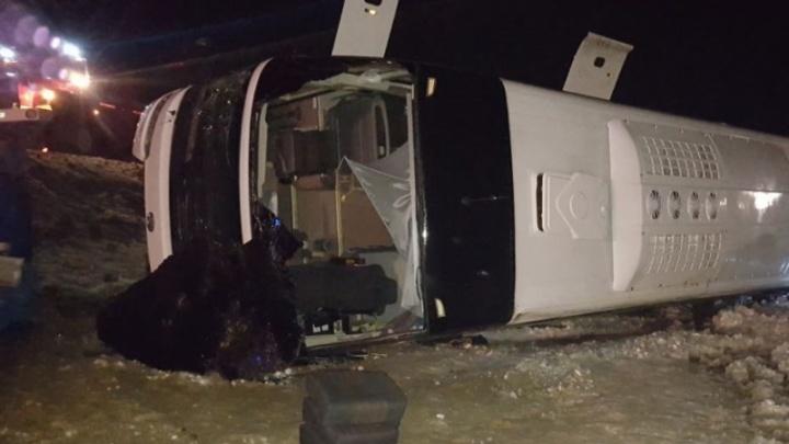 Водителя автобуса, потерпевшего аварию под Белой Калитвой, отправили в изолятор временного содержания