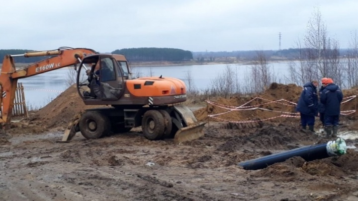 В Рыбинске через Волгу протянули подводную трубу