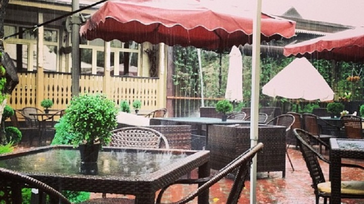 С молотка продают известные рестораны, бары и кафе Тюмени. Что происходит с рынком общепита?