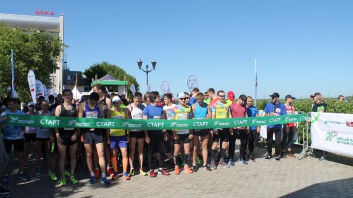 Сотни бегущих сердец: в Самаре прошел Зеленый марафон