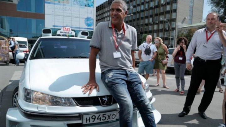 В Ростове выставили на торги реплику Peugeot 406 из фильма Taxi с автографом Сами Насери