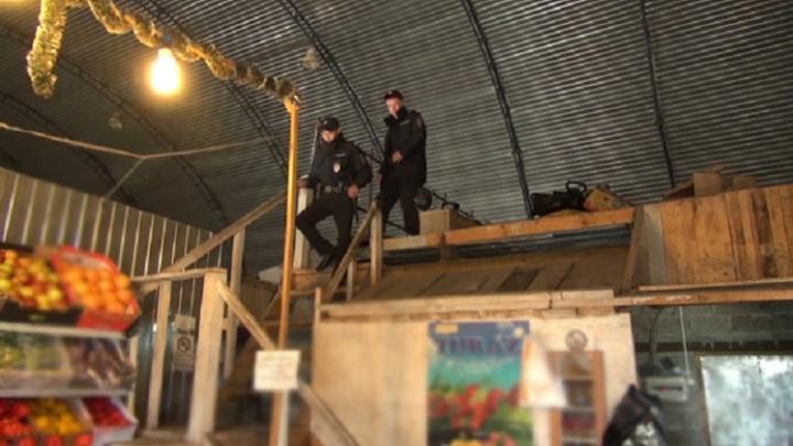Итоги операции «Нелегал»: нарушители работали в Тюмени на рынках, стройках и в общепите