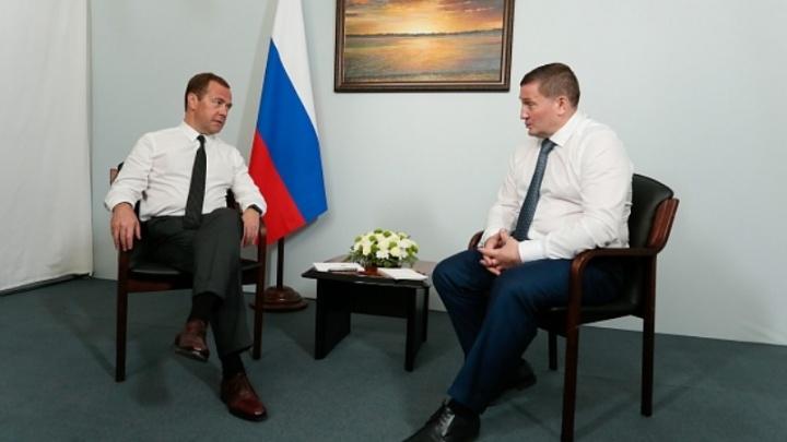 Бочаров рассказал Медведеву об отремонтированных дорогах и видах на урожай