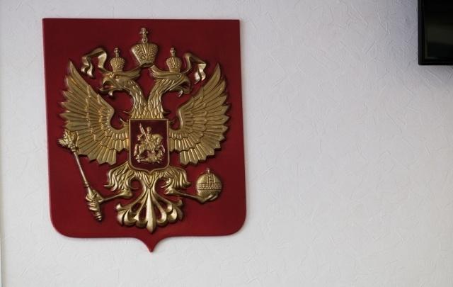 Суд заставил управляющую компанию выплатить 130 тысяч рублей пермяку, на машину которого упало дерево