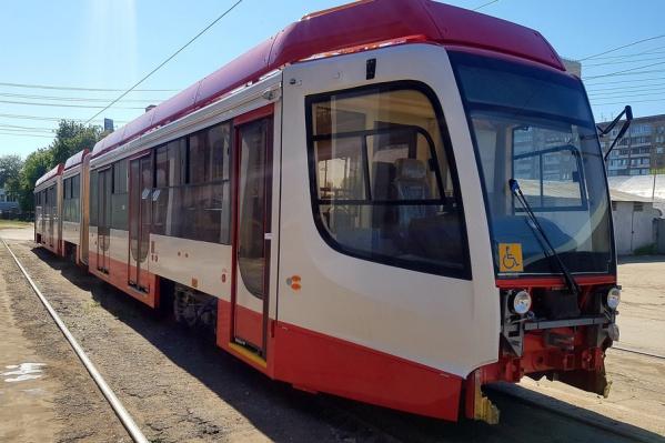 На данный момент в Самару привезли 4 из 10 трамваев