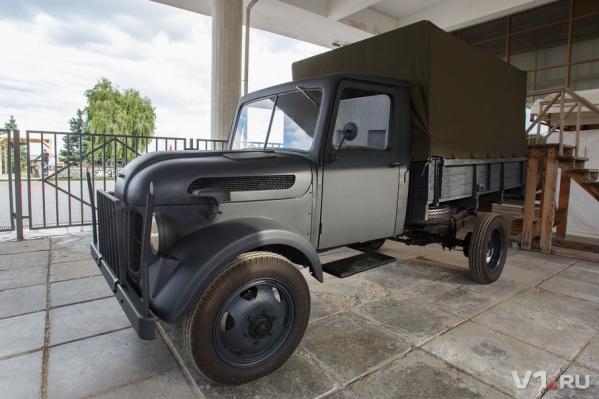 Отреставрированный грузовик выглядит только сошедшим с конвейера