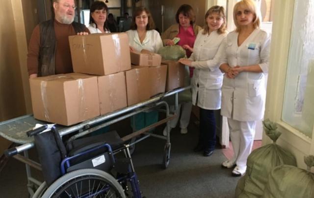 В Ростове волонтеры собрали для детей Донбасса медпомощь