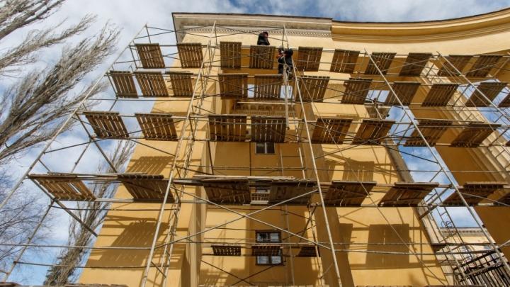 Дом Павлова в Волгограде встретит День Победы в строительных лесах