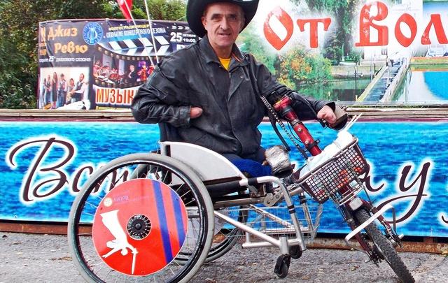 Волгоградец отправился в путешествие до Владивостока на инвалидной коляске