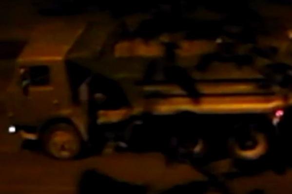 Коммунальщики снимали асфальт в полночь