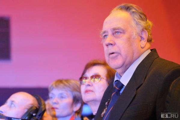 Владислав Крапивин лично определит одного победителя премии.