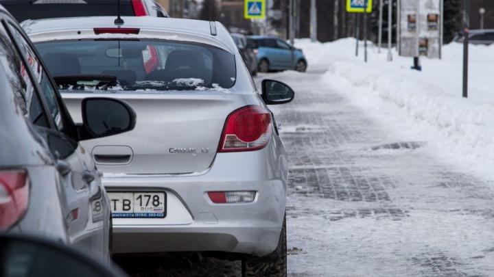 Дороги, платные парковки и бессмертные пазики: чем запомнился 2017-й автомобилистам Архангельска