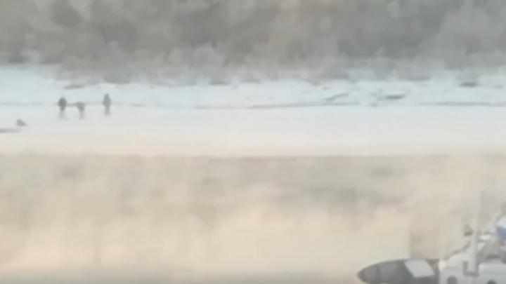 Семь тюменцев попали в больницу с обморожением: один провалился в реку, другой пролежал во дворе