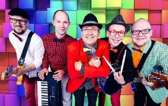 Цирковые трюки, ритмы джаза, шоу фриков «Little Big» и другие способы провести выходные без скуки