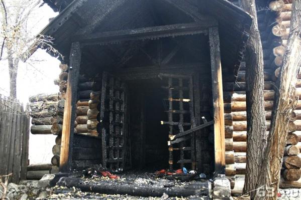 Сгоревшую башню хотели снести и построить церковь на ее месте