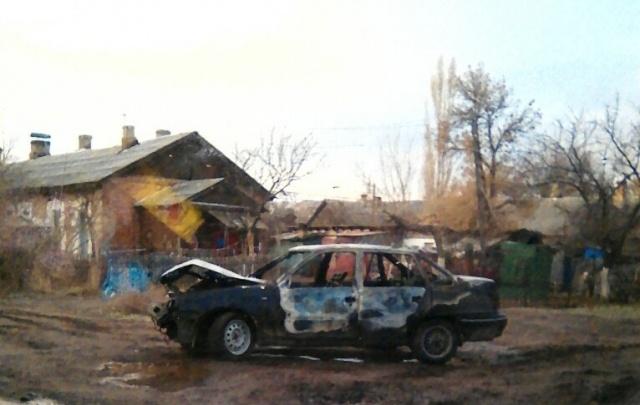 В Волгограде Daewoo Nexia сгорела после ДТП