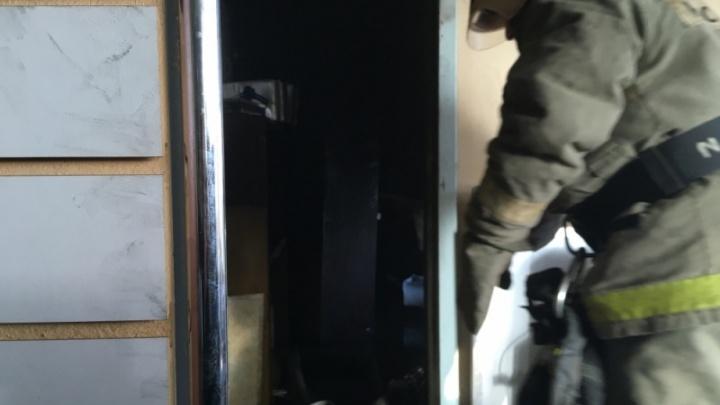 В Ярославле загорелась станция техобслуживания автомобилей