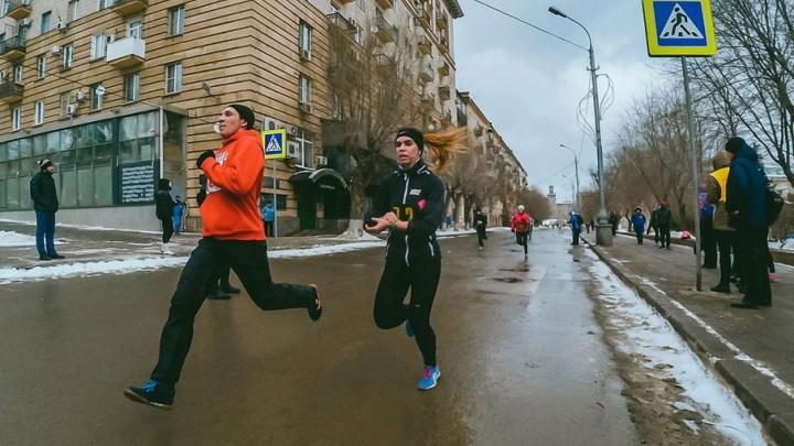 По центру Волгограда пробегут больше 700 спортсменов и ветеранов