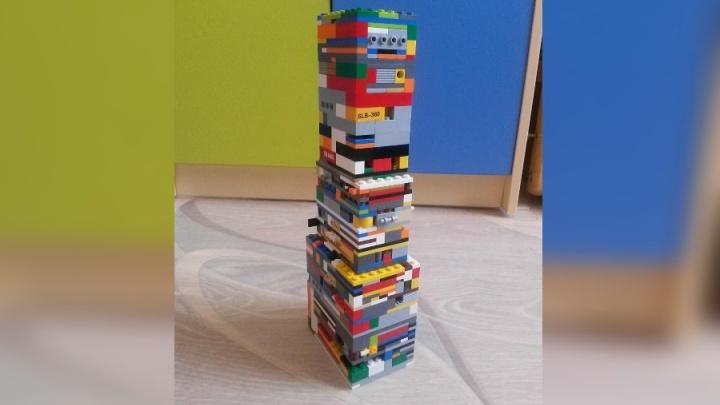 «Не каждому взрослому под силу»: семилетний пермяк изобрел игрушку-головоломку