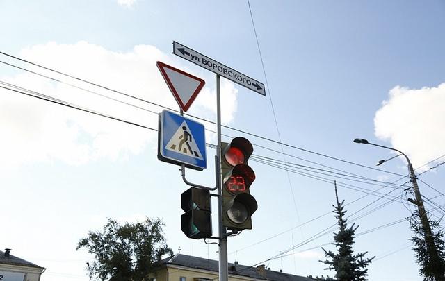 Челябинцы пожаловались на транспортный коллапс на оживлённом перекрестке